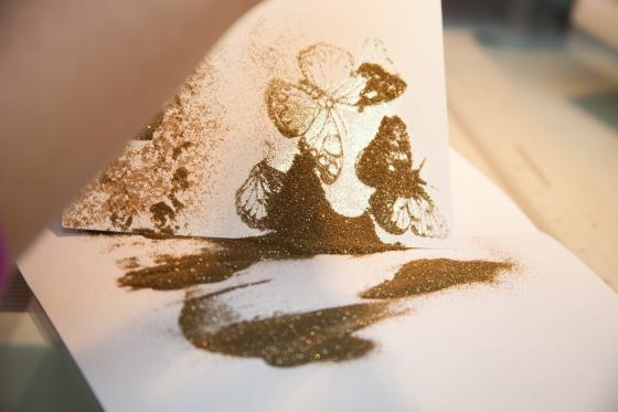 Embossa med guld. Serine Designs blog